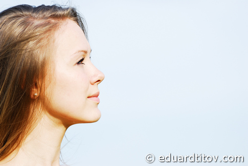 profile of the face of the young woman | vct 4600
